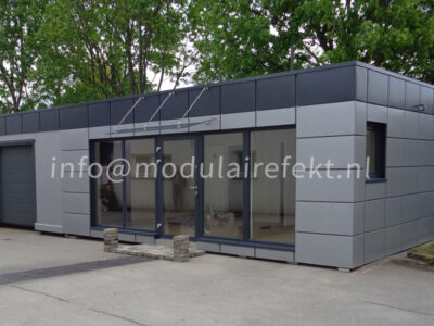 Containers made of sandwich panels by Efekt company